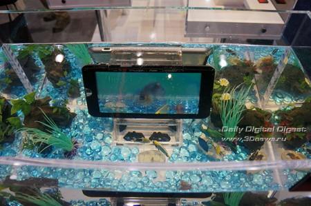 CES 2012: концепт водонепроницаемого планшета от Toshiba, который заряжается под водой
