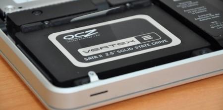 Как установить жесткий диск в MacBook?