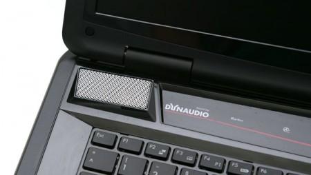 Почему звук в ноутбуке идет только от одного динамика?