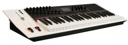 Можно ли использовать клавиатуру для ввода MIDI информации?